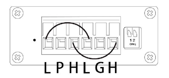 进入软件后,在CAN1通道下点击发送,如果显示为发送成功,在CAN2通道接收到这帧信息,右下角错误状态未显示异常,这说明USBCAN-II Pro设备完好。   2、如何排除终端电阻问题   我们的USBCAN-II Pro分析仪中搭载了120欧姆电阻,用户可通过设备侧面的拨码开关进行选择(拨下时接入)。您可以检查下自己的待测设备中是否包含120欧姆电阻。CAN总线实际通信时,接入一个120欧姆电阻即可实现通信,但通信并不稳定。所以建议您在实际通信时,使用万用表测量CANH与CANL之间的电阻值(注意